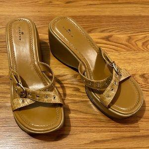 Chunky 90's Platform Sandals
